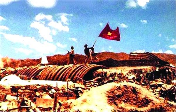 Cờ đỏ tung bay trong chiến thắng lịch sử Điện Biên Phủ