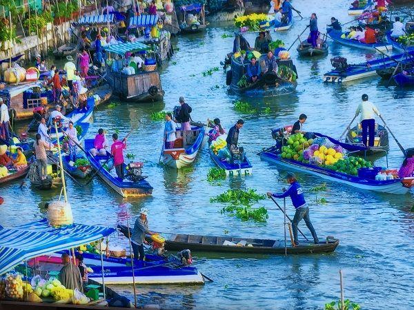 chợ nổi tại đồng bằng sông cửu long