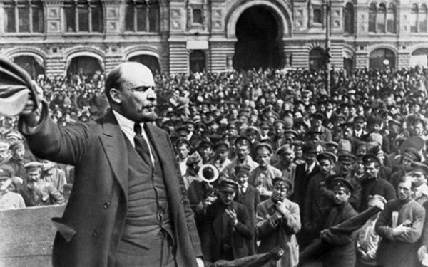 diễn biến cuộc cách mạng tháng 10 nga năm 1917