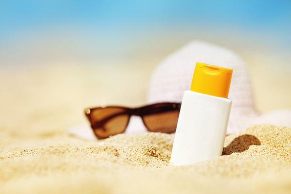 bôi kem chống nắng đúng cách và lưu ý khi lựa chọn sản phẩm kem chống nắng