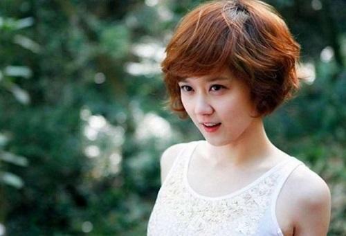 tóc tém đẹp kiểu uốn phồng khiến bạn gái trở nên hấp dẫn và quyến rũ