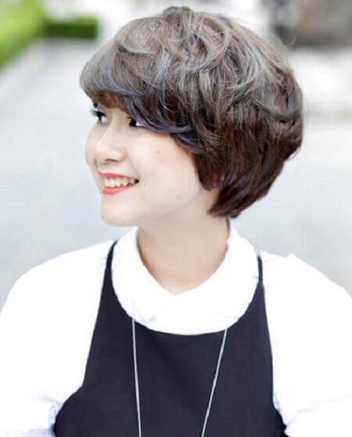 tóc tém đẹp kiểu xoăn ngắn cá tính và hiện đại