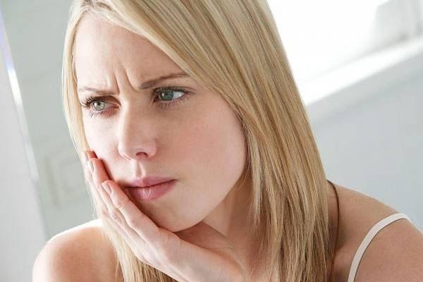 ê răng là bệnh gì và cách điều trị ê răng