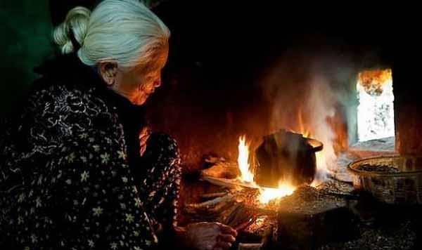phân tích bài thơ bếp lửa và hình ảnh minh họa