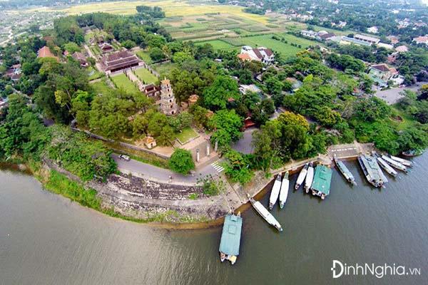 cảm nhận về vẻ đẹp của sông hương qua phương diện địa lý