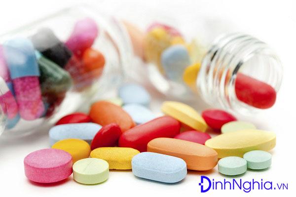 rối loạn tic và cách dùng thuốc để điều trị