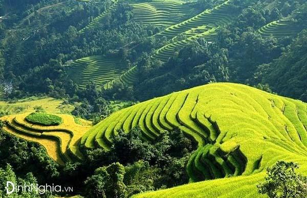 vẻ đẹp thiên nhiên trong bài thơ việt bắc gắn liền với hình ảnh con người