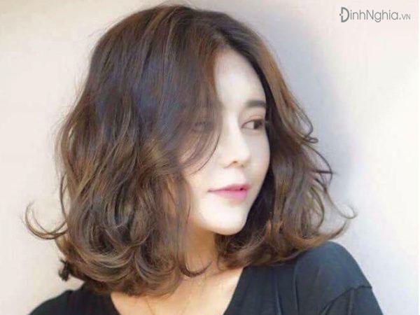 các kiểu tóc ngắn đẹp với tóc kiểu lợn sóng