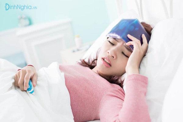 bệnh nhân có dấu hiệu sốt giảm bạch cầu