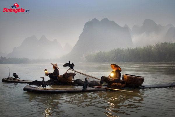 cảm nhận và phân tích người lái đò sông đà