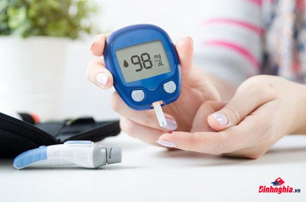 tìm hiểu bệnh hạ đường huyết là gì